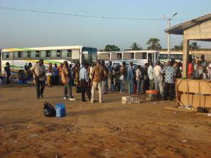 """Côte d'Ivoire : lancement d'une """"opération coup de poing"""" pour démanteler les barrages illégaux"""