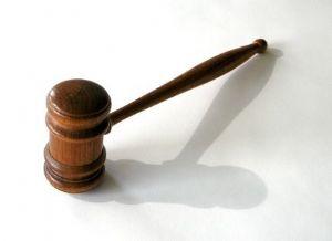 Déficits de l'indépendance de la magistrature pourtant consacrée par la Constitution