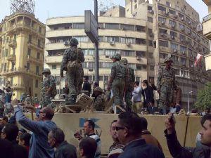 Egypte: 1.036 blessés lors d'affrontements entre manifestants et policiers sur la place Tahrir