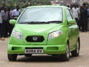 Museveni inaugure la première voiture électrique du pays