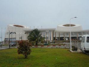 CC BY peacecorpschadsey. Palais du congres Benin