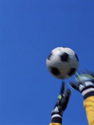 Football : Serey Die s'engage plus en faveur des œuvres caritatives