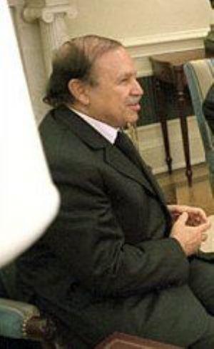 Algérie: le Premier ministre éjecté, pressenti  pour succéder à Bouteflika