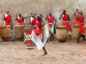 Bénin : Un projet de loi interdisant le gaspillage lors des cérémonies