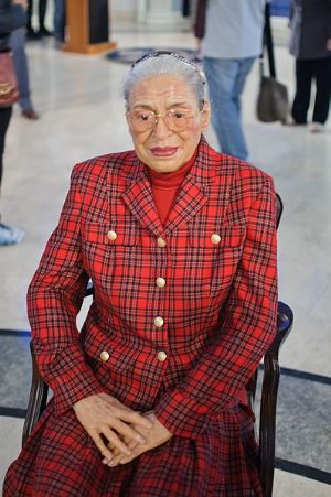"<strong style=""margin-right:4px;"">CC by InSapphoWeTrust.</strong>  					Rosa Parks au musée Madame Tussauds"