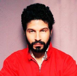 maroc un acteur se balade en tenue d adam afriquinfos. Black Bedroom Furniture Sets. Home Design Ideas