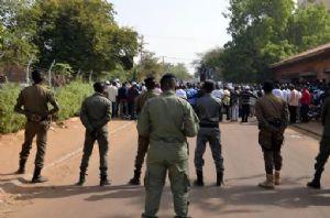 Niger : 10 blessés, d'importants dégâts lors de manifestations d'étudiants