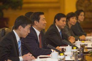 Le vice-président chinois rencontre les hauts responsables du parti au pouvoir de la Tanzanie