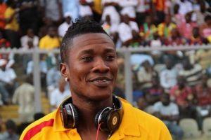 Asamoah Gyan met en garde contre ceux qui usurpent son identité