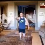 Capture d'écran montrant Oscar Pistorius marchant sur ses moignons.