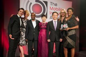 Movitel S.A., la coentreprise de télécommunications de Viettel au Mozambique, reçoit des prix distinguant ses innovations mobiles