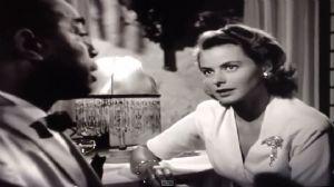 """<strong style=""""margin-right:4px;"""">© YouTube.</strong>  Humphrey Bogart (Rick) et Ingrid Bergman (Ilsa) dans la scène du piano dans """"Casblanca"""""""