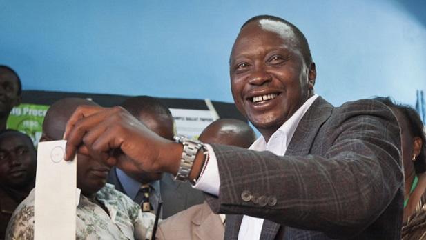 Kenya : Uhuru Kenyatta réélu
