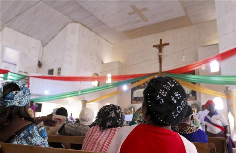 Massacre dans une église au Nigeria: les catholiques se rassemblent dans tout le pays