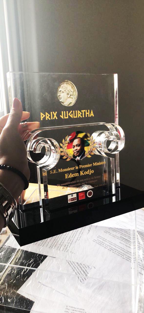 Le «titre Personnalité Africaine» du «Prix Jugurtha 2018» décerné à l'ex-Premier ministre Edem KODJO