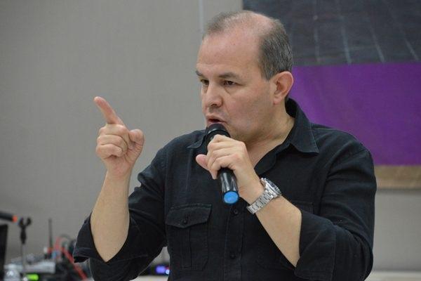 Faits divers : Un ancien candidat à la mairie de Mexico veut s'offrir l'avion présidentiel pour en faire un taxi