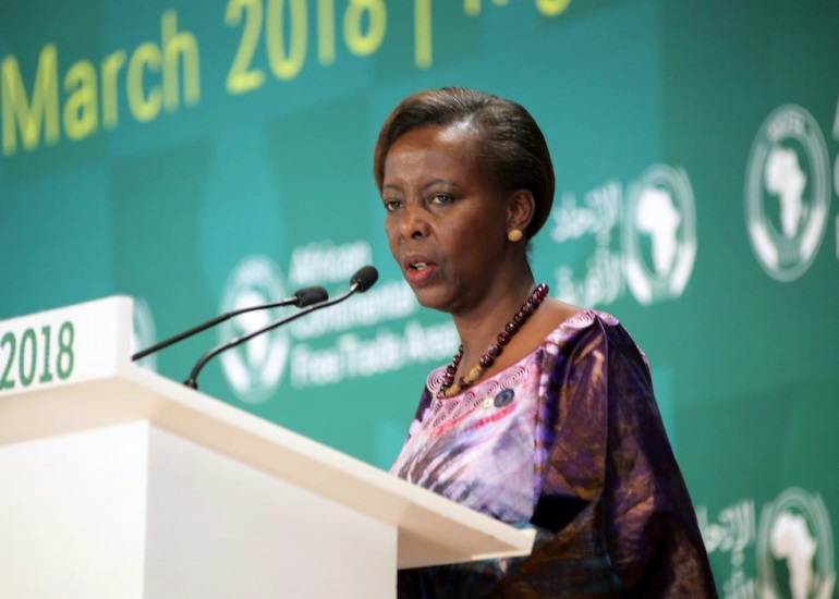 OIF: la Rwandaise Louise Mushikiwabo succède à Michaëlle Jean