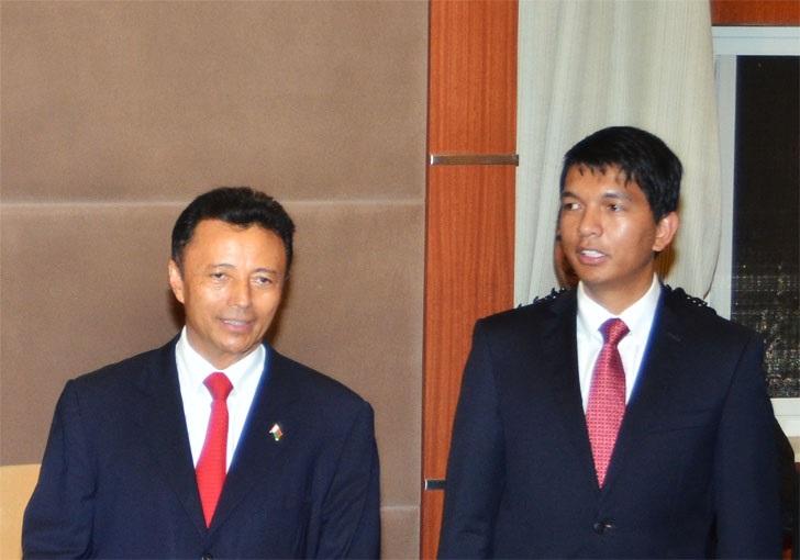 Madagascar/Présidentielle: les résultats partiels laissent profiler un 2ème tour Rajoelina-Ravalomanana