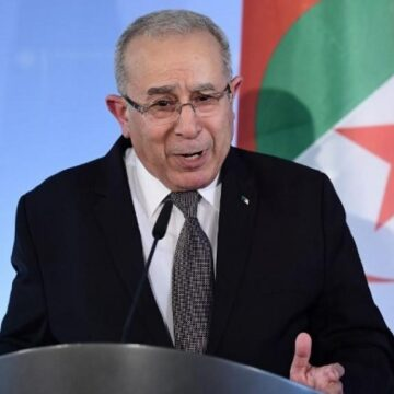 Algérie : le duo Bedoui-Lamamra annonce la présidentielle avant la fin de l'année, la rue gronde toujours