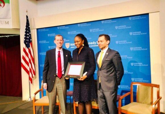 Distinction : Cina Lawson, première femme politique africaine distinguée par l'Alumni Awrd d'Harvard